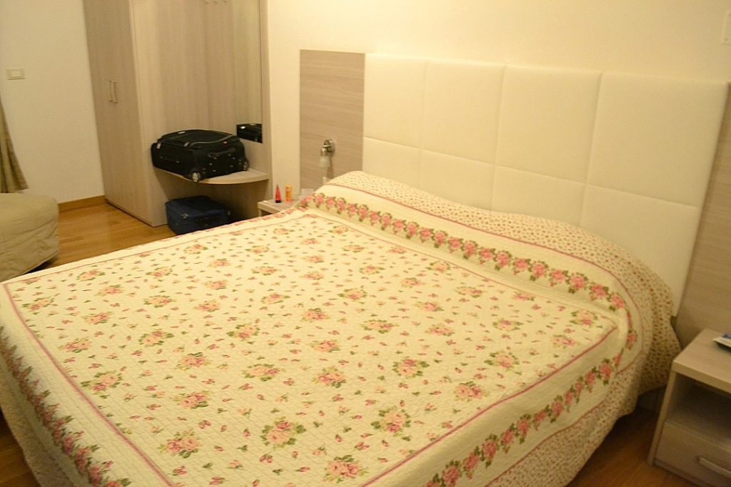 Hotel Almalfi kamer bed